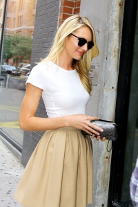 candice-swanepoel-White T